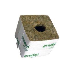 Grodan propagation cube, ca. 7,5 x 7,5 x 6,5cm, small hole